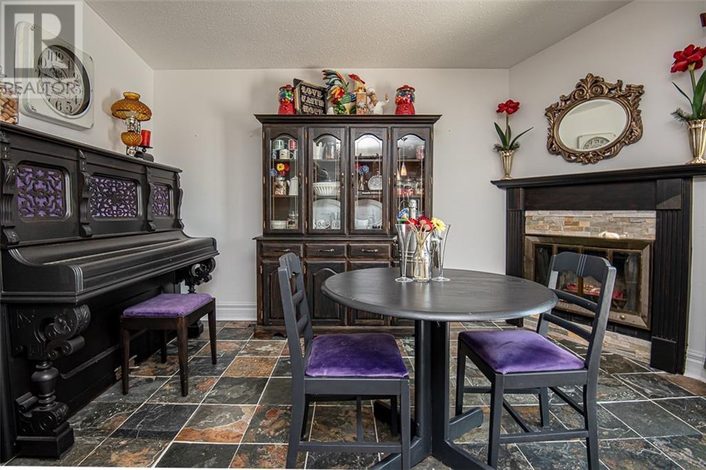 475 Duvernay Dr House For Sale Realmaster Com